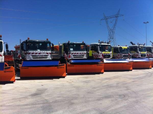 RASCO NEW truck 4x4+ spreader + snow plough + tipper box pentru împrăştierea